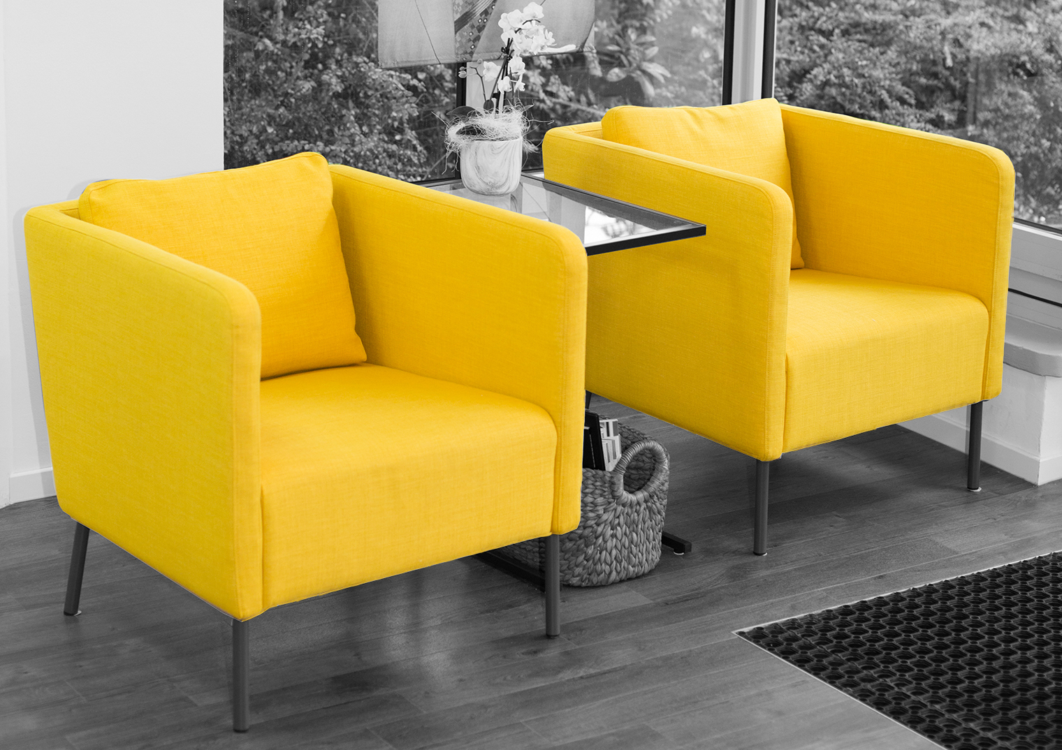 Sessel_1520_1074_yellow_quer